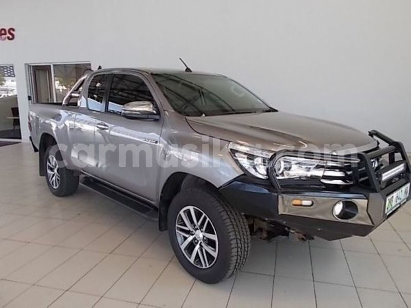 Big with watermark toyota hilux matabeleland south beitbridge 9293