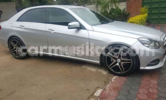 Buy Used Mercedes‒Benz E–Class Silver Car in Harare in Harare