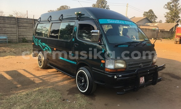 Buy Used Toyota Hiace Green Car in Waterfalls in Harare