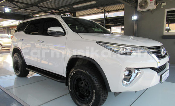 Medium with watermark toyota fortuner matabeleland south beitbridge 9579