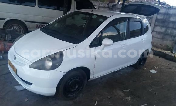 Buy Used Honda Fit White Car in Mutare in Manicaland