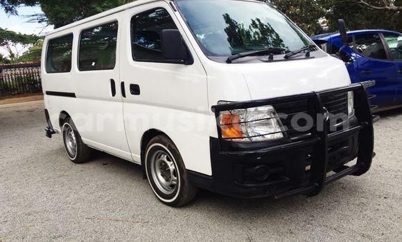 Buy Used Nissan Caravan White Car in Harare in Harare