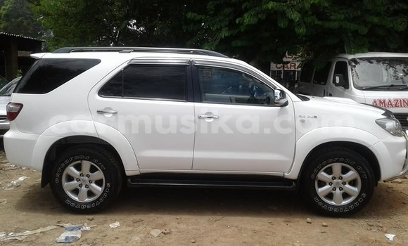 Buy Used Toyota Fortuner White Car in Harare in Harare
