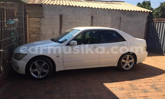 Buy Used Toyota Altezza White Car in Gweru in Midlands