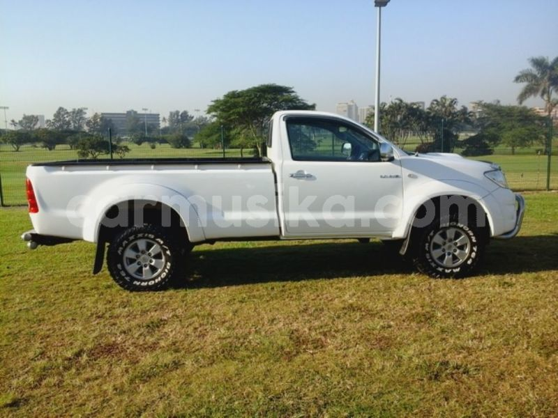 Big with watermark toyota hilux matabeleland south beitbridge 11836