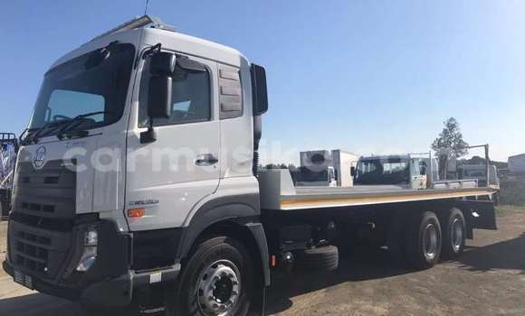 Buy Used Nissan UD White Truck in Beitbridge in Matabeleland South
