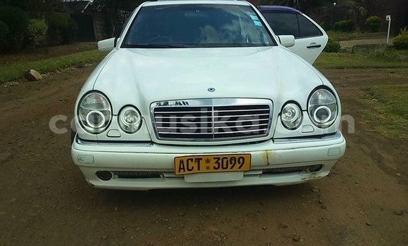 Buy Used Mercedes-Benz E-klasse White Car in Harare in Harare