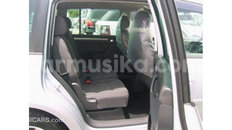 Big with watermark volkswagen touran harare import dubai 12600