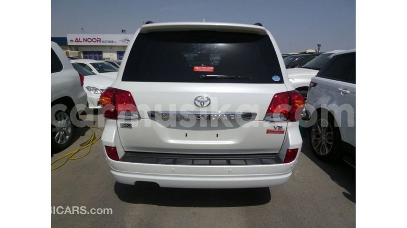 Big with watermark toyota land cruiser harare import dubai 12710